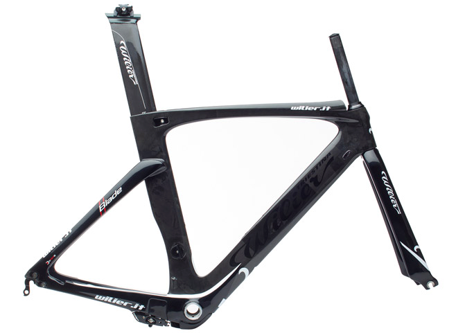 Fitness Tuesday bike porn: The Wilier Blade. We may deign to say it's the one of the hottest 2013 road frames we've laid eyes on. Italian postminimalism, if we're to intrude upon sculpture. http://bit.ly/Wtf0Xa
