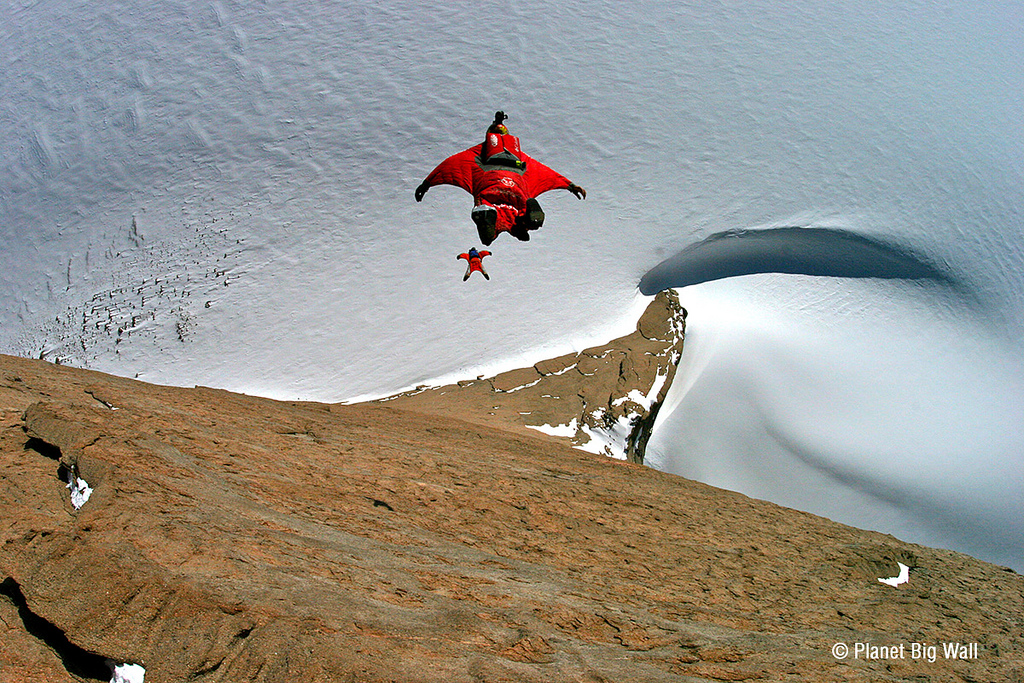 Extreme First base jump in Antarctica - Holtanna