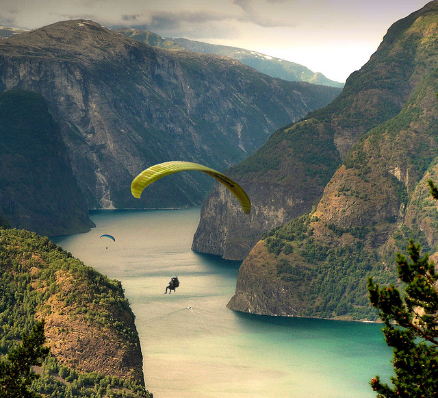 Extreme Paragliding along the Aurlandfjords
