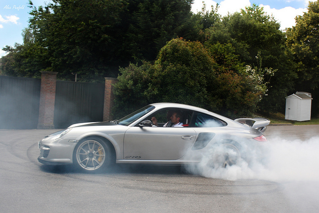 Auto and Cycle GT2RS Smoking