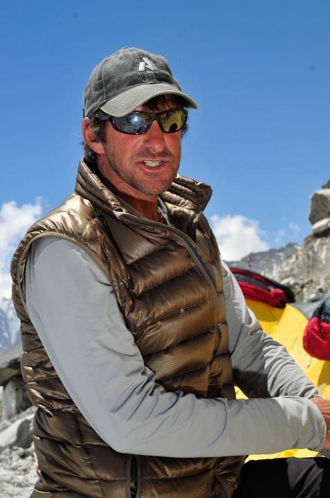 Entertainment What could be a more elevated moment for our Sixth Day of Downlight than this classic Downlight photo of super-guide Dave Hahn on Everest? Did we mention the Downlight Jacket is 50% off in all Eddie Bauer stores?  Shop Women's Downlight: http://ow.ly/fIwc