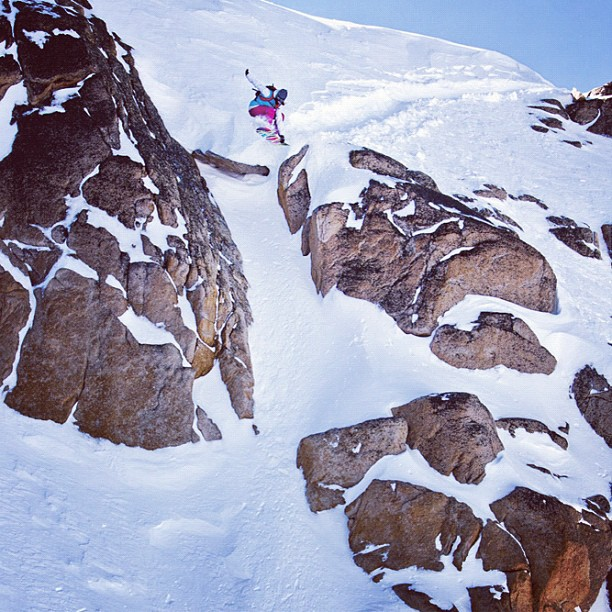 Snowboard Robin Van Gyn's solid cliff drop indy grab in Bariloche, Argentina  http://instagr.am/p/RtsCtrsImF/