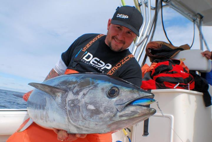 Fishing Capt Jack from East Coast Charters showing his Jig and Pop skills on BF Tuna!!! www.deepoceanapparel.com
