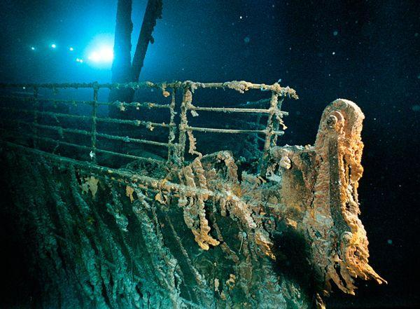 "Scuba Lover of the ill-fated wreak? Take a look. ""Titanic Is Falling Apart,"" http://buff.ly/Il1lbN"