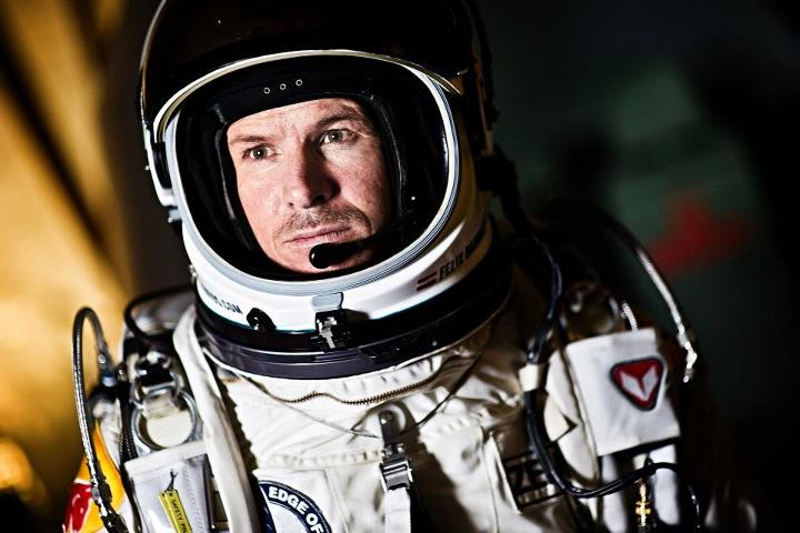 Extreme Red Bull Stratos - Allenamento alla velocità supersonica  Pilot Felix Baumgartner of Austria seen during the first manned test flight for Red Bull Stratos in Roswell, New Mexico, USA on February 23 2012. Red Bull Stratos is a mission to the edge of space