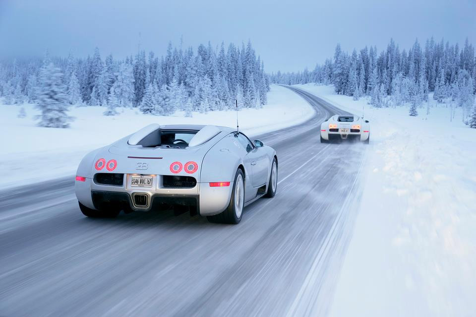 Auto and Cycle bugatti veyron at winter boulevards