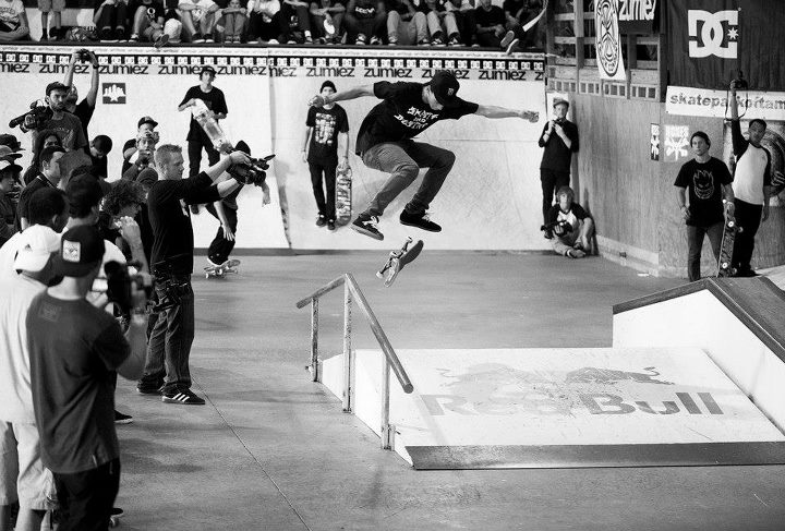Skateboard Nyjah Huston killed it in the A Frame jam. Cab flip back lip like nothing. — at Southside Skatepark.