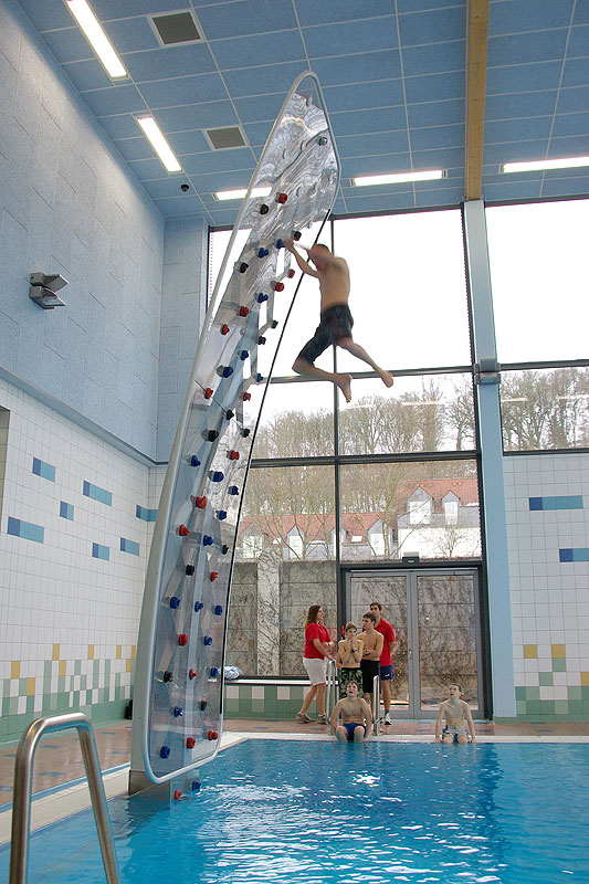 Entertainment Vertical wall climbing