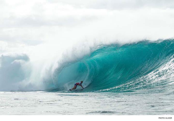Surf View the best photos from the first two days of the Billabong Pipe Masters. Photo: Todd Glaser Photography  CLICK HERE: http://bit.ly/1232PRR