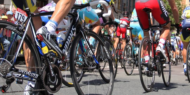 A mountain top Tour de France finish? What stages do you wan to see on next years tour? http://velonews.competitor.com/2012/10/news/newspaper-suggests-2013-tour-de-france-may-finish-atop-lalpe-dhuez_256119
