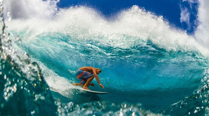 Surf A submarine periscope view of team rider Dane Gudauskas sliding by photographer Ryan Craig.