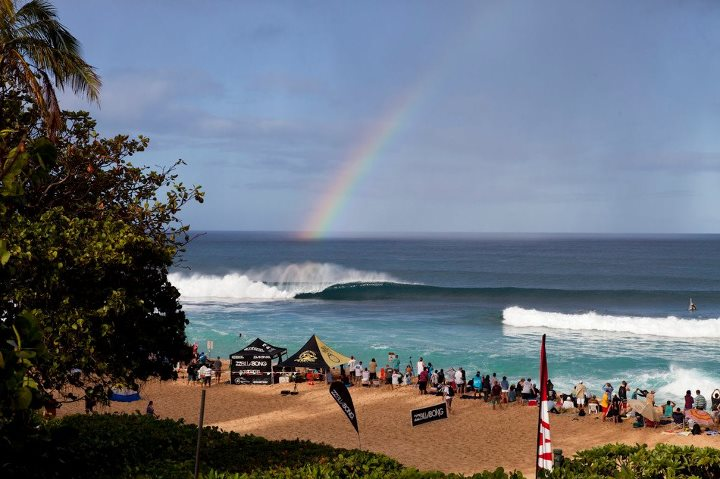 Surf Here is proof that there is a pot of gold at the end of the rainbow. Billabong Pipe Masters day 2 highlights from TransWorld SURF. http://bit.ly/SLP30U