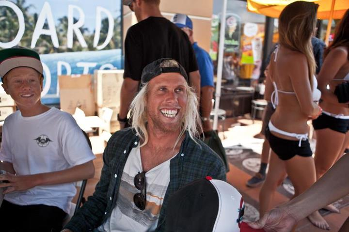 Entertainment Dane Gudauskas and Matt Passaquindici warming up the markers for an autograph sesh