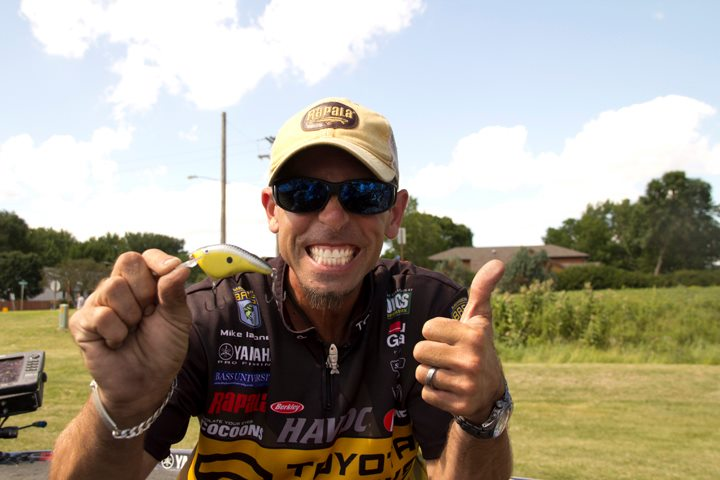 Entertainment Rapala Pro Angler Mike Iaconelli and Custom Ink DT