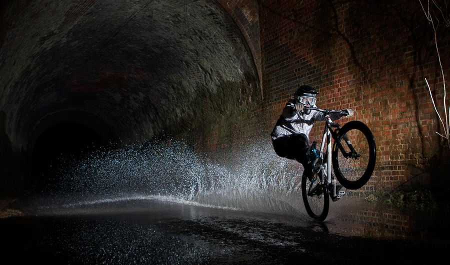 MTB Tunnel splash