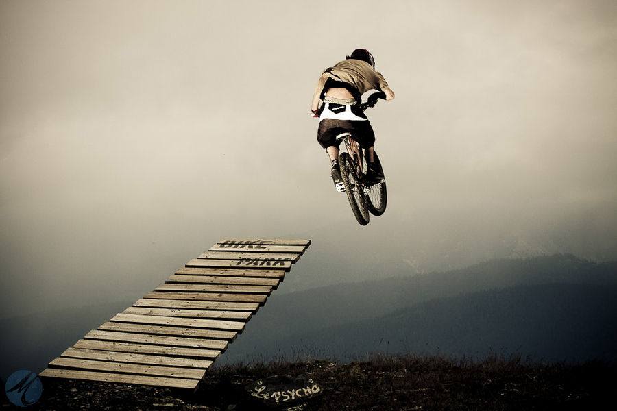MTB jump in the valley
