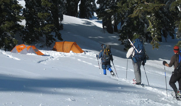 Camp and Hike WINTER HIKING/MOUNTAINEERING