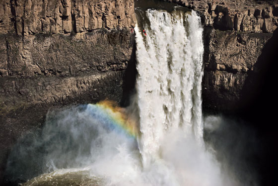 Kayak and Canoe There isn't a lot that scares Tyler Bradt, so before he steered his kayak off the lip of eastern Washington's Palouse Falls and dropped 18 stories amid water rushing at 2,000 cubic feet per second