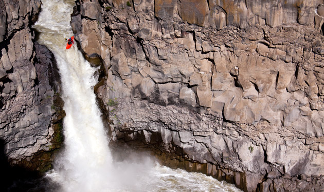 Kayak and Canoe Dan Simenc on the third descent of the Devil's Washbowl on the Malad River, Idaho.