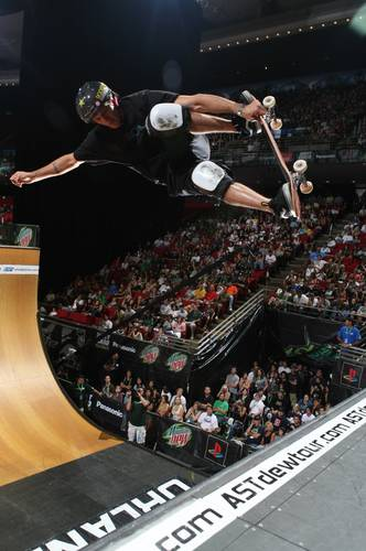 Skateboard Bucky Lasek in Skateboarding Finals