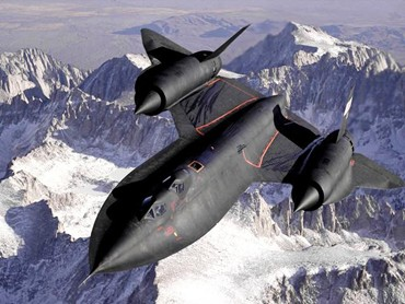 Guns and Military The Lockheed SR-71 Blackbird sure is sick looking!