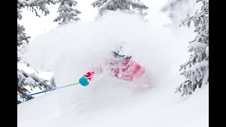 Ski Ashely Magnuson on a fesh powder day