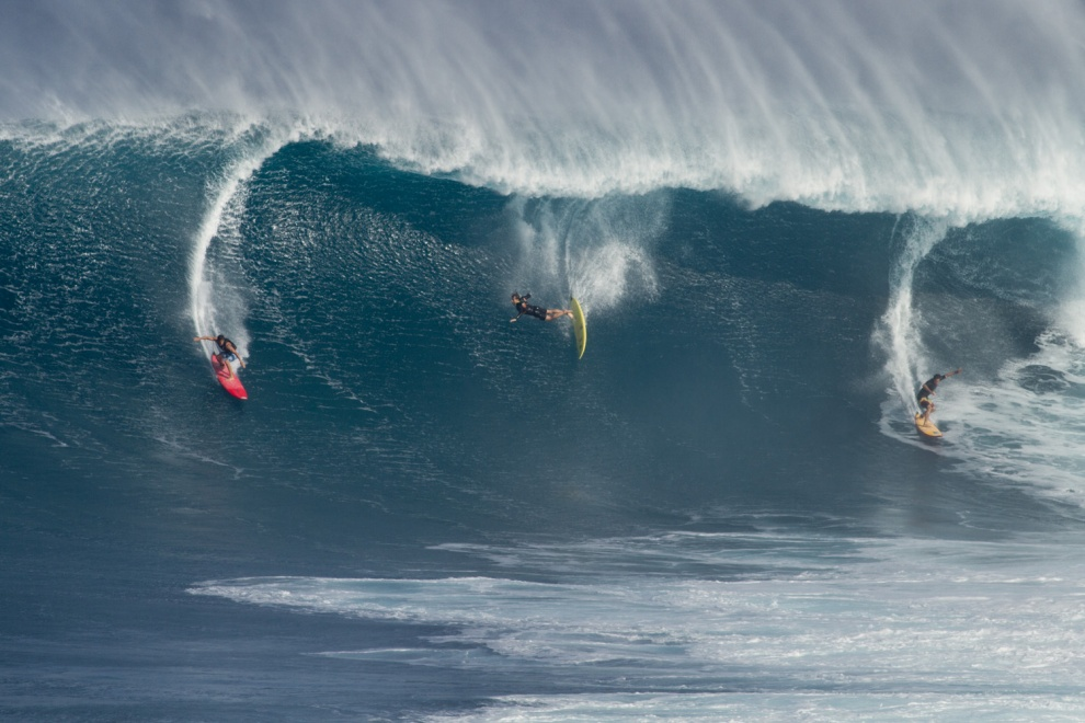 Surf Macking Peahi paddle session from the latest North Pacific super swell.