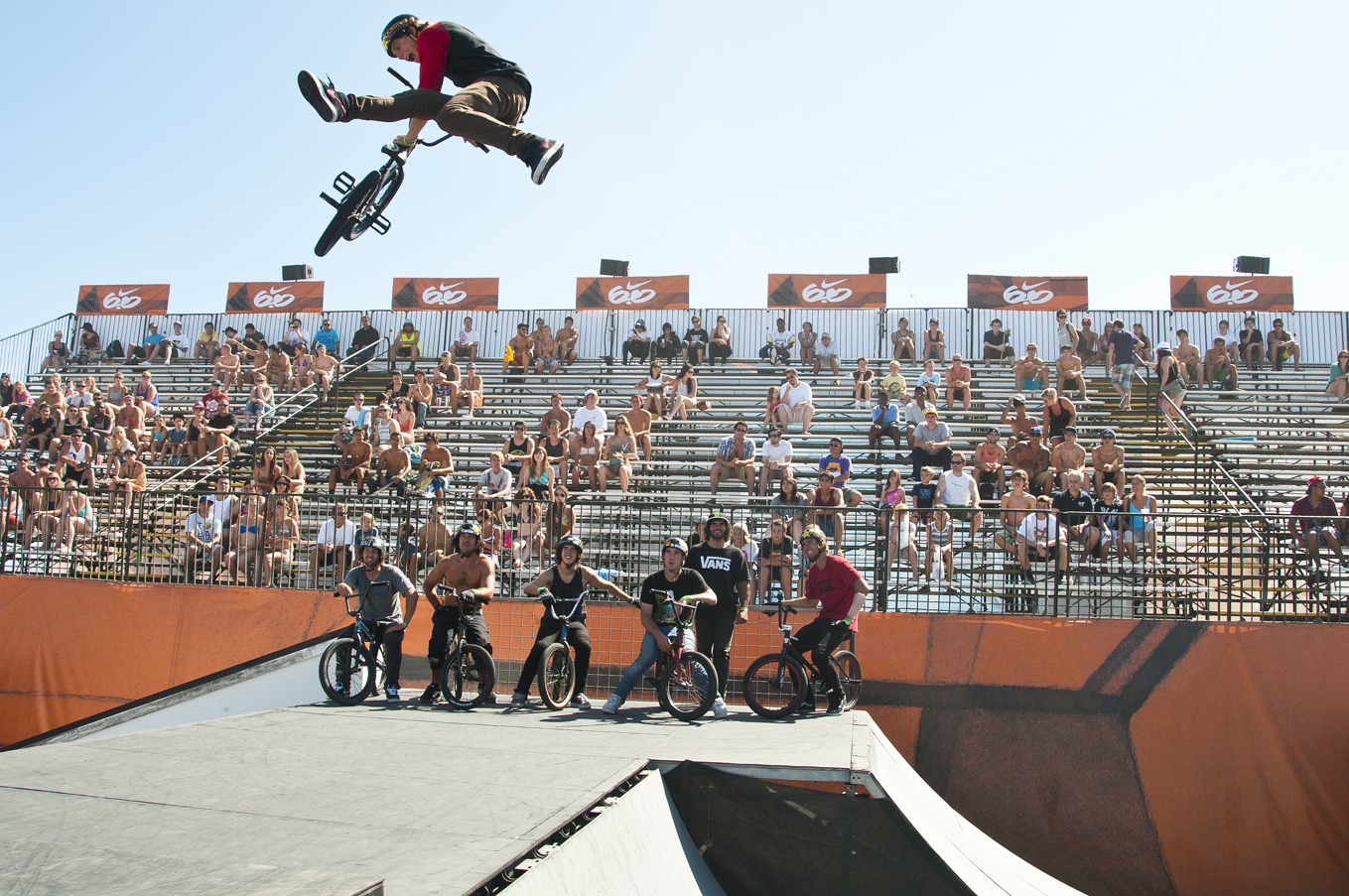 BMX Dennis Enarson - Seatgrab Indian Air