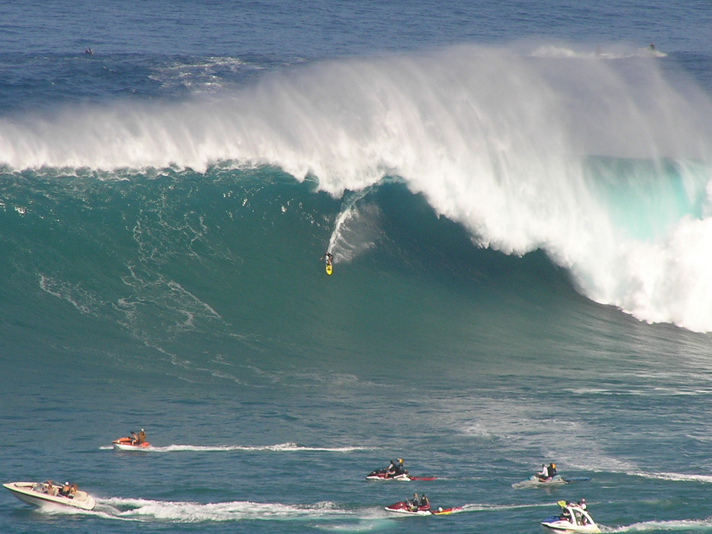 Surf Biggest Wave of the Day Jaws Maui