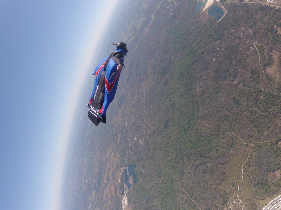 Extreme wingsuit