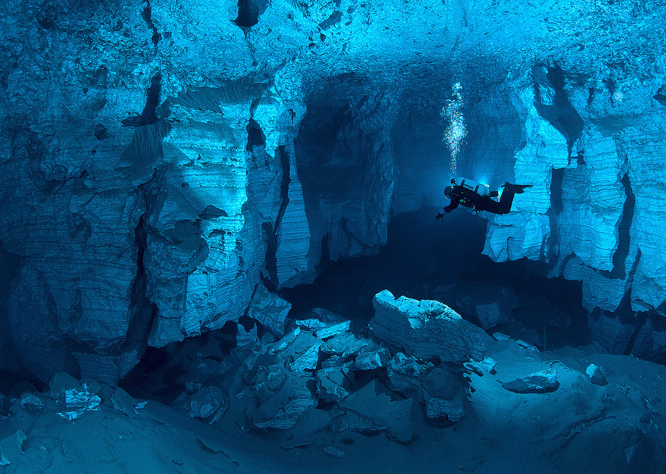 Scuba the world's largest underwater cave, russia