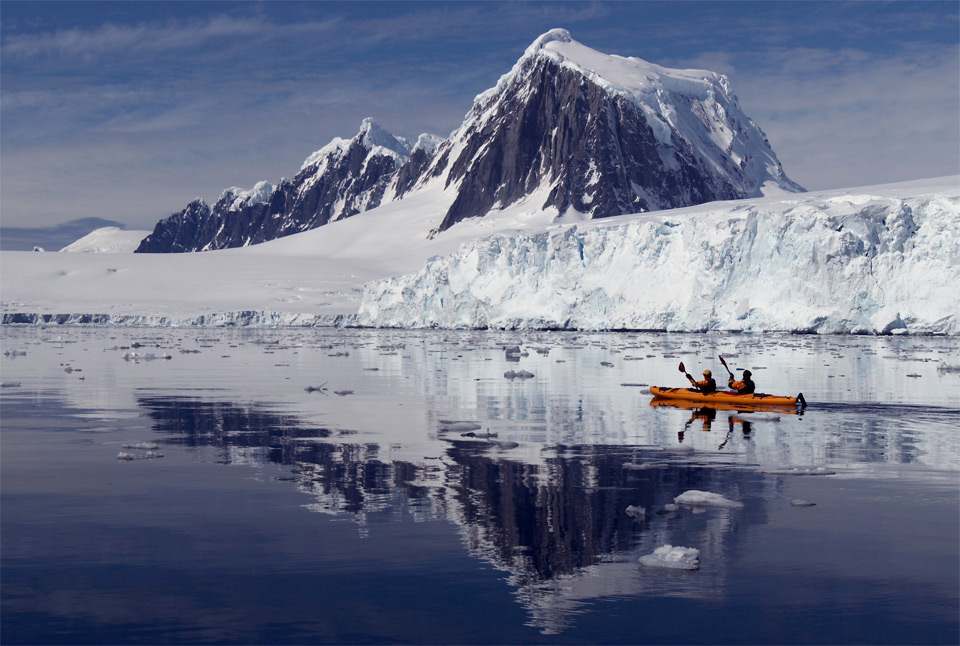 Kayak and Canoe kayaking glacier bay alaska
