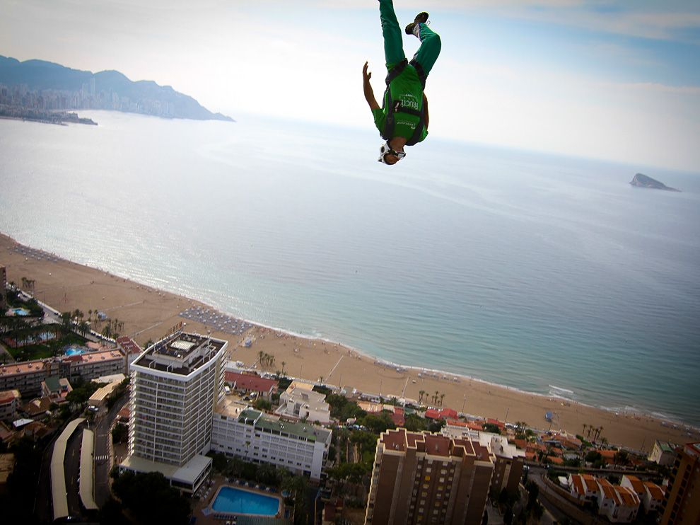 Extreme BASE Jumper, Spain