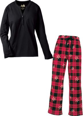 Hunting This coordinated sleepwear set offers instant softness and relaxation for a good nights sleep. The long-sleeve crew-neck top is made of soft 100% polyester. The drawstring-adjustable pants are made of 100% polyester microfleece. Set arrives wrapped with a gift tag attached. Imported.Sizes: S-2XL.Colors: Berry Deer Flake, Navy Sport Combo, Plum Bear, Red Snow Flake, Berry Snowflake Plaid, Lavendar Snowflake, Plum Plaid, Polar Bear Blue. Type: Sleep Set. Size: X-Large. Color: Berry Snwflake Plaid. Size Xl. Color Berry Snwflake Plaid. - $17.99