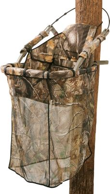 Hunting Get ultimate concealment on a Summit treestand by adding theRealtree AP camo drop-down blind. It rolls and stows away neatly on the top bar of manySummit closed-front stands. Imported.Camo pattern: Realtree AP. Type: Drop-Down Blinds. - $49.99