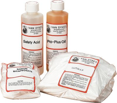 Hunting This professional tan kit is easy to use at home. Premium immersion tan for rugs, furs, hides and hair-on skins for mounts. This complete kit contains enough material to tan one large deerskin. It tans a deer hide in 24 to 36 hours. - $29.88