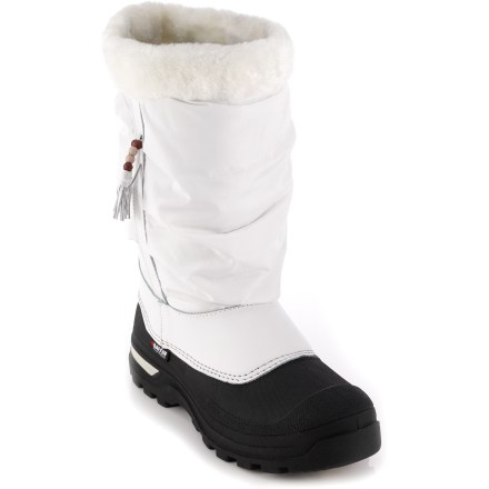 Easy to put on and take off, the girls' Baffin Susan winter boots in sizes 3-8 let her strut through winter with a smile. Waterproof microfiber uppers with faux fur trim keep out the snow and slush. Removable 5-layer inner liners provide exceptional warmth in conditions down to -40degF. Thermoplastic rubber outsoles with grippy tread let her stomp through every puddle. Closeout. - $18.73