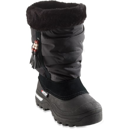 Easy to put on and take off, the girls' Baffin Susan winter boots in sizes 11 - 2 let her strut through winter with a smile. Waterproof microfiber uppers with faux fur trim keep out the snow and slush. Removable 5-layer inner liners provide exceptional warmth in conditions down to -40degF. Thermoplastic rubber outsoles with grippy tread let her stomp through every puddle. Closeout. - $33.73
