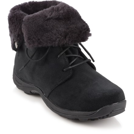Practical and stylish, the Baffin Pinta winter boots keep your feet comfortable when the mercury drops. Nubuck suede leather uppers with faux fur trim hold up to daily winter wear. Multi-layer liners offer comfort in conditions down to -4degF. Removable thermal inner soles reduce conductive heat loss to the ground. EVA midsoles provide cushioning underfoot. Rubber outsoles on the Baffin Pinta boots offer terrific grip on snowy surfaces. Closeout. - $30.73