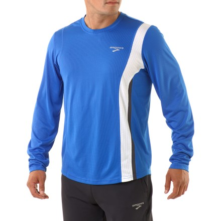 Fitness The Brooks Rev II shirt boosts your comfort on the run thanks to its lightweight, soft fabric. Soft, lightweight mesh fabric dries quickly and wicks moisture. Reflective highlights increase visibility from any angle. The semifitted Brooks Rev II shirt moves with you during activity. - $18.83