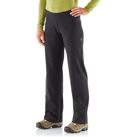 Camp and Hike The Columbia Back Beauty Straight Leg pants outfit hikers and travellers for any adventure. Polyester/elastane blend fabric moves with you, and is engineered to carefully contour to your body for a flattering fit. Fabric provides UPF 50+ sun protection, shielding skin from harmful ultraviolet rays. Mid-rise fit. - $44.93