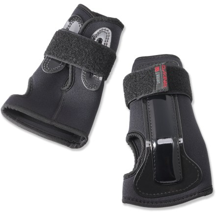 Snowboard The DAKINE wrist guards offer a confidence boost on icy days or anytime for first-time riders by helping protect vulnerable wrists. - $6.93