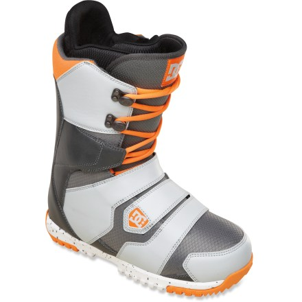 Snowboard DC Gizmo snowboard boots offer traditional laces up top and Boa(R) Coiler lacing over the feet-perfect for riding the uppers a little looser and dialing the bottoms in tight. - $98.83