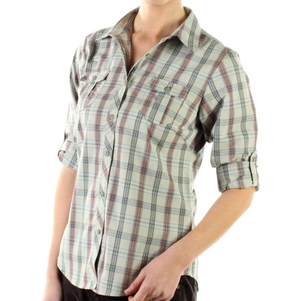 The ExOfficio Pocatello Plaid Macro shirt is a soft, stylish choice for hanging out or travel. Quick-drying cotton/polyester blend fabric offers easy care. Critical seams are moved off shoulders for comfort when wearing a pack. Sleeves roll up and secure with tabs. 2 chest pockets with button closures. Closeout. - $34.93