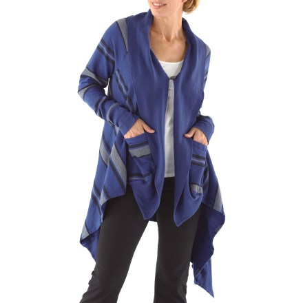 Fitness Wrap yourself in the calming comfort of the Hard Tail Blanket Drape Coat before or after yoga practice. The Hard Tail Blanket Drape Coat is constructed from a soft cotton and polyester blend and provides a light layer of warmth. - $87.93
