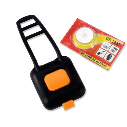 Camp and Hike Used with your HeadsUp Systems Wireless Gear Alert (sold separately), this Gear Tag attaches to gear atop your car rack so you'll be alerted before driving into garage. Gear tag includes a replaceable battery; system alerts you when a battery needs to be replaced. - $24.95