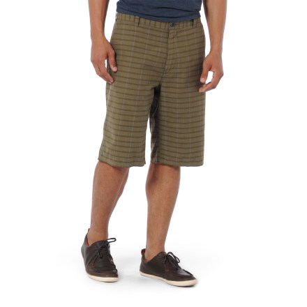 Surf The Horny Toad Hugh shorts keep you cool on sun-filled casual outings. Made from certified 100% organic cotton for breathable comfort and easy care. Relaxed fit shorts secure with a zippered fly and button closure. Hugh shorts feature slash front pockets, a cell phone pocket and rear pockets. Closeout. - $26.83