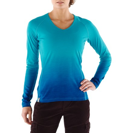 Luxurious next to skin, the Icebreaker Oasis Dusk V-Neck top uses merino wool to enhance comfort. Made of soft, nonirritating merino wool, the Icebreaker Oasis Dusk V-Neck top resists odors naturally. Merino wool wicks away moisture, dries quickly and breathes to regulate temperature for outstanding comfort in a variety of conditions. With a UPF rating of 50+, the Icebreaker Oasis Dusk V-Neck top offers very good protection against harmful UV light. You'll move comfortably without chafing thanks to the flatlock seams. Machine washable, line dry or dry flat in shade. - $62.93