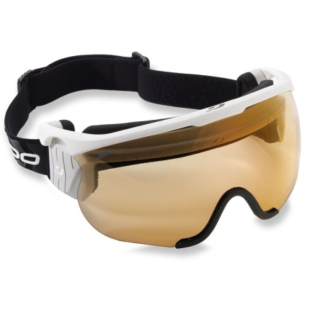 Ski Julbo Sniper M snow goggles offer full-coverage, wide-field-of-vision performance for cross-country skiers and boast a photochromic lens that adapts to conditions on the go. - $80.83
