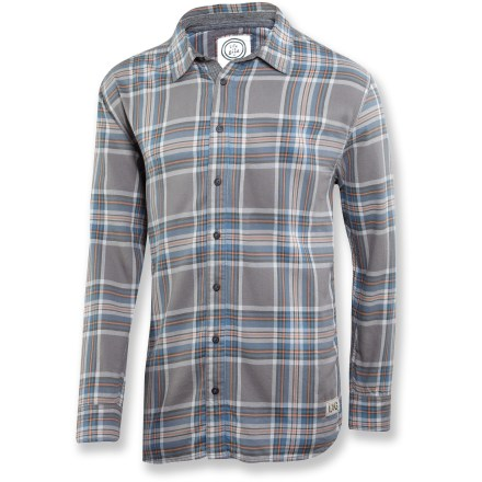 The warm Life is good(R) Fireside flannel shirt offers relaxed comfort with flannel button-down style. You'll love to wear it when lounging at home, going for a walk or hitting the town. Heavy, garment-washed cotton shirt features contrasting color bar tacks and decorative twill taping. - $41.93